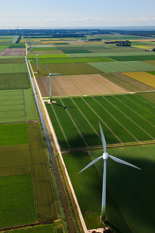 Nederland, Flevoland, 30-06-2011; .Windmolenpark in Flevoland. Windmills in the polder..luchtfoto (toeslag), aerial photo (additional fee required).copyright foto/photo Siebe Swart