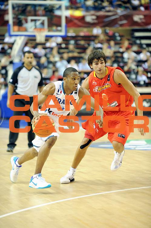 DESCRIZIONE : Championnat Du Monde 2010 Turquie Izmir Tour Preliminaire <br /> GIOCATORE : Albicy Andrew <br /> SQUADRA : France <br /> EVENTO : Championnat du monde 2010<br /> GARA : France Espagne<br /> DATA : 28/08/2010<br /> CATEGORIA : Basketball Action Homme<br /> SPORT : Basketball<br /> AUTORE : JF Molliere FFBB par Agenzia Ciamillo-Castoria <br /> Galleria : France Basket Championnat du monde 2010<br /> Fotonotizia : Championnat du monde Turquie Izmir Tour Preliminaire Jour 1<br /> Predefinita :