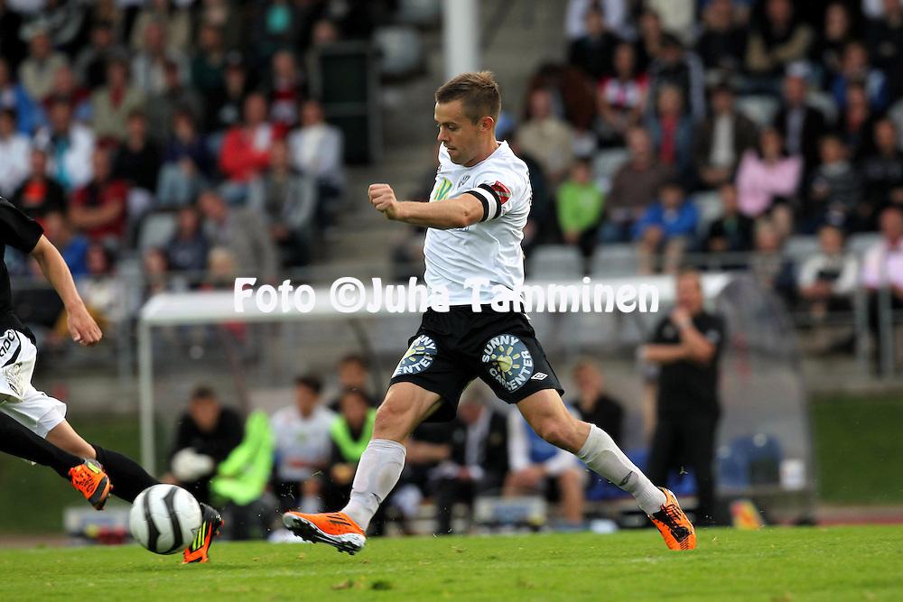 25.8.2012, Kauriala, H?meenlinna..Veikkausliiga 2012..FC Haka - FC Lahti..Shane Robinson - Haka