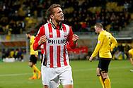 16-04-2016 VOETBAL:RODA JC - PSV:KERKRADE<br /> Luuk de Jong van PSV maakt de 0-2 in Limburg en viert zijn doelpunt<br /> Foto: Geert van Erven