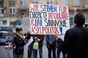Frankfurt am Main   11 Apr 2015<br /> <br /> Am Samstag (11.04.2015) demonstrierten etwa 35 Personen der Gruppe &quot;Freie B&uuml;rger f&uuml;r Deutschland&quot; (FBfD, ex PEGIDA) auf dem Rossmarkt in Frankfurt am Main gegen &quot;Islamisierung&quot;, ihre Redebeitr&auml;ge gingen in dem Geschrei der etwa 800 Gegendemonstranten unter.<br /> Hier: FBfD-Aktivisten mit Transparent.<br /> <br /> &copy;peter-juelich.com<br /> <br /> [Foto honorarpflichtig   No Model Release   No Property Release]