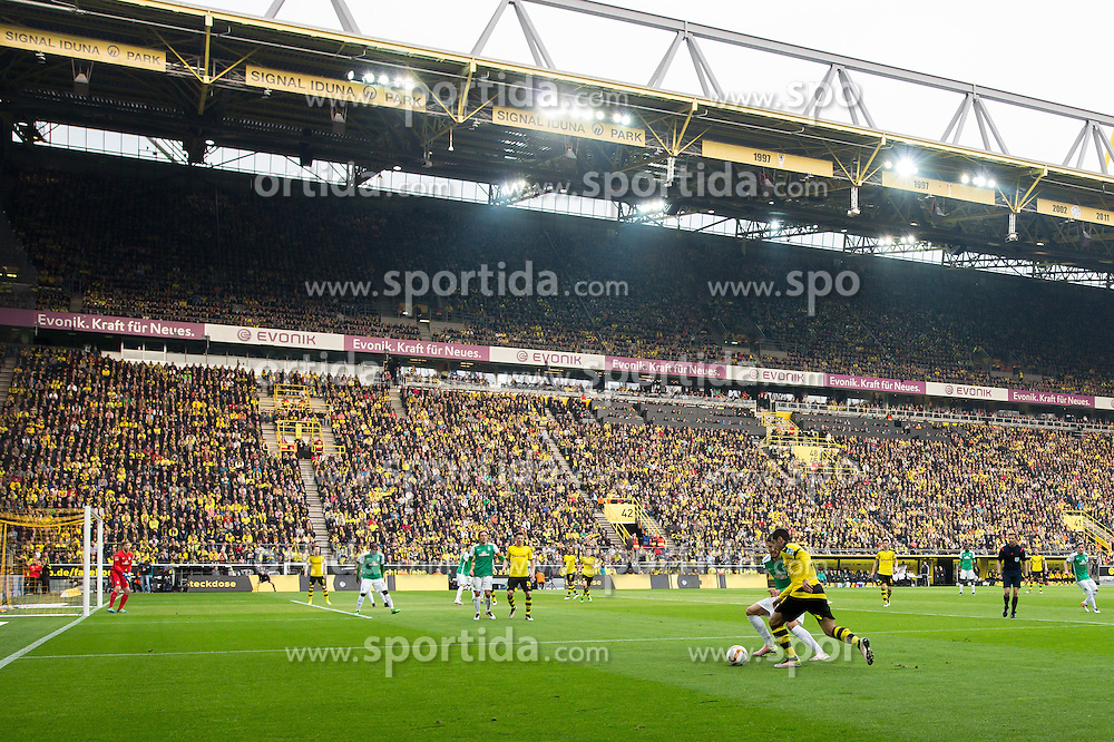 02.04.2016, Signal Iduna Park, Dortmund, GER, 1. FBL, Borussia Dortmund vs SV Werder Bremen, 28. Runde, im Bild Uebersichtsbild Innenraum // during the German Bundesliga 28th round match between Borussia Dortmund and SV Werder Bremen at the Signal Iduna Park in Dortmund, Germany on 2016/04/02. EXPA Pictures &copy; 2016, PhotoCredit: EXPA/ Eibner-Pressefoto/ Sch&uuml;ler<br /> <br /> *****ATTENTION - OUT of GER*****
