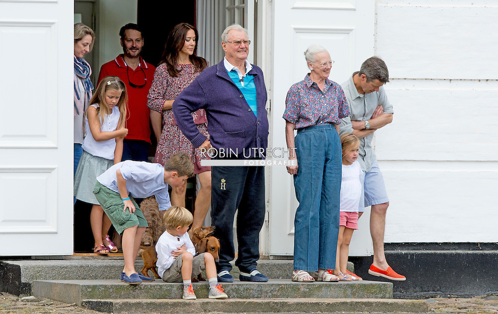 24-7-2015 -  Grasten - Queen Margrethe, Prince Henrik, Crownprince Frederik, Crownprincess Mary, Prince Christian, Princess Isabella, Prince Vincent, Princess Josephine,  Prince Henrik and Princess Athena and children Prince Christian Princess Isabella, Prince Vincent and Princess Josephine during  the changing guards at the Palace Grasten in Grasten , Danmark, 24 July 2015. COPYRIGHT ROBIN UTRECHT<br />