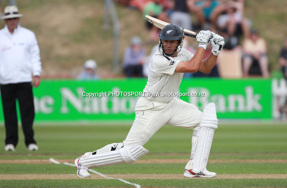 Ross Taylor batting during play on Day 1 of the 2nd test match.  New Zealand Black Caps v Pakistan, Test Match Cricket. Basin Reserve, Wellington, New Zealand. Saturday 15 January 2011. Photo: Andrew Cornaga/photosport.co.nz