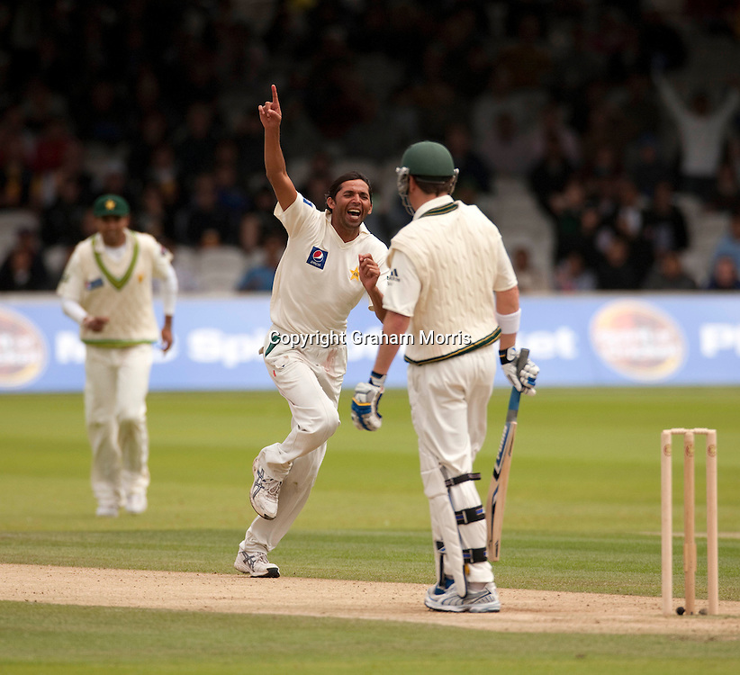 Mohammad Asif celebrates the dismissal of Marcus North during the MCC Spirit of Cricket Test Match between Pakistan and Australia at Lord's.  Photo: Graham Morris (Tel: +44(0)20 8969 4192 Email: sales@cricketpix.com) 15/07/10