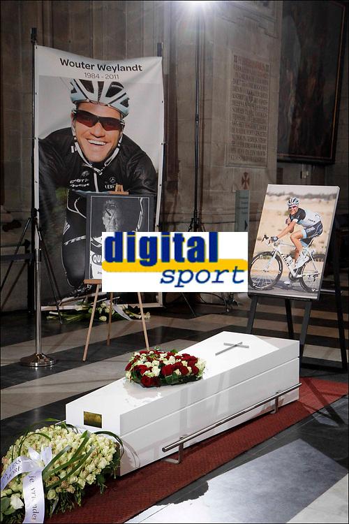 Gent, 18/05/2011 SPORT / CYCLISME / WIELRENNEN / Begrafenis van wielrenner Wouter Weylandt - l'enterrement du coureur Wouter Weylandt / Sint Pieterskerk / / Picture by JDM - Nico Vereecken © PHOTO NEWS/JDM - Nico Vereecken