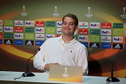 BORDEAUX, FRANCE - Wednesday, September 16, 2015: Getty photographer Andrew Powell during a press conference ahead of the UEFA Europa League Group Stage Group B match against FC Girondins de Bordeaux at the Nouveau Stade de Bordeaux. (Pic by David Rawcliffe/Propaganda)