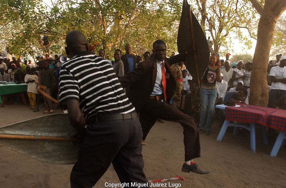 Local politicians from the Nuer Tribe in the town of Ayod, made a demonstration of their warrior skills during the celebrations for the referendum for self determination in  South Sudan. (PHOTO: MIGUEL JUAREZ LUGO).