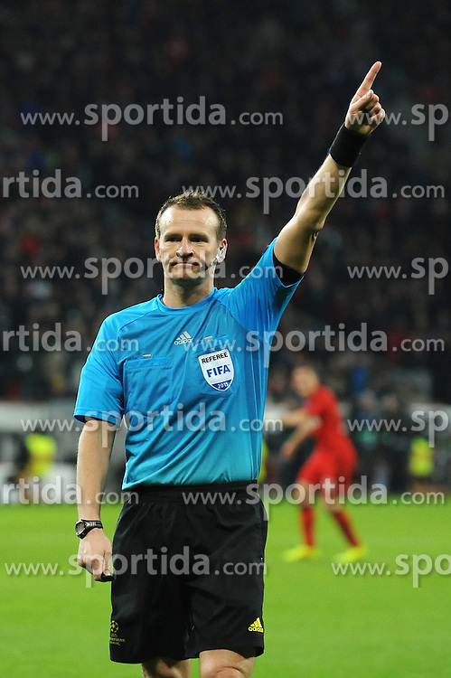 25.02.2015, BayArena, Leverkusen, GER, UEFA EL, Bayer 04 Leverkusen vs Atletico Madrid, 1. Runde, R&uuml;ckspiel, im Bild Schiedsrichter Pavel Kralovec ( CZE ) // during the UEFA Europa League 1st Round, 2nd Leg match between Bayer 04 Leverkusen and Atletico Madrid at the BayArena in Leverkusen, Germany on 2015/02/25. EXPA Pictures &copy; 2015, PhotoCredit: EXPA/ Eibner-Pressefoto/ Thienel<br /> <br /> *****ATTENTION - OUT of GER*****