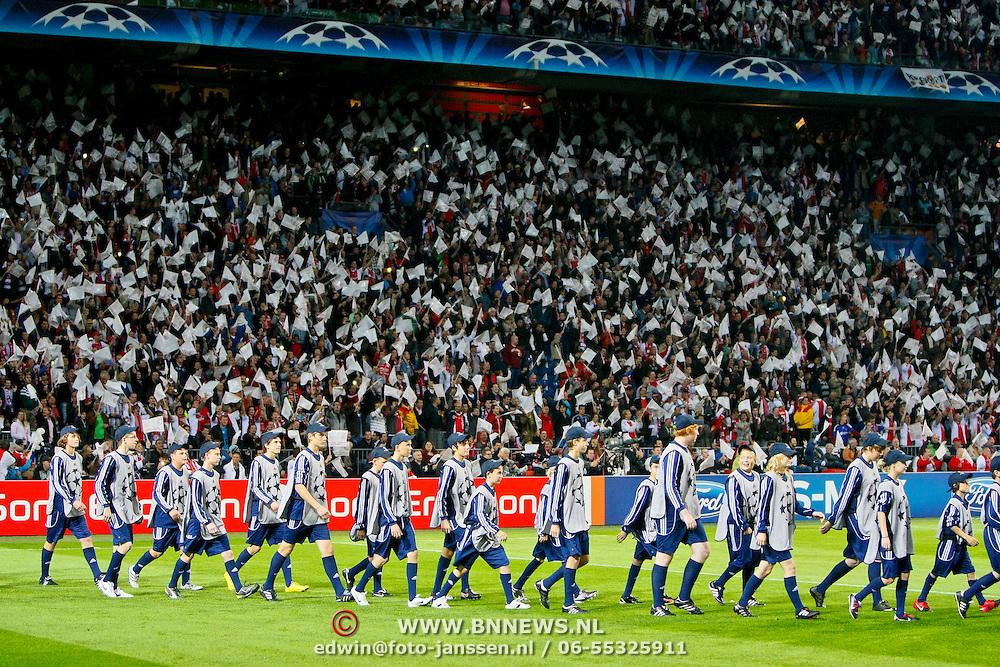 NLD/Amsterdam/20100928 - Champions Leaguewedstrijd Ajax - AC Milan, publiek met witte vlaggetjes
