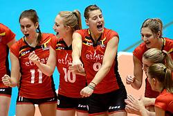 10-08-2014 NED: FIVB Grand Prix Belgie - Puerto Rico, Doetinchem<br /> Els Vandesteene, Lise Van Hecke, Freya Aelbrecht