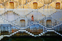 Inde, Rajasthan, Jaipur la ville rose, reservoir d'eau près de Jaipur // India, Rajasthan, Jaipur the Pink city, water tank for rain near Jaipur