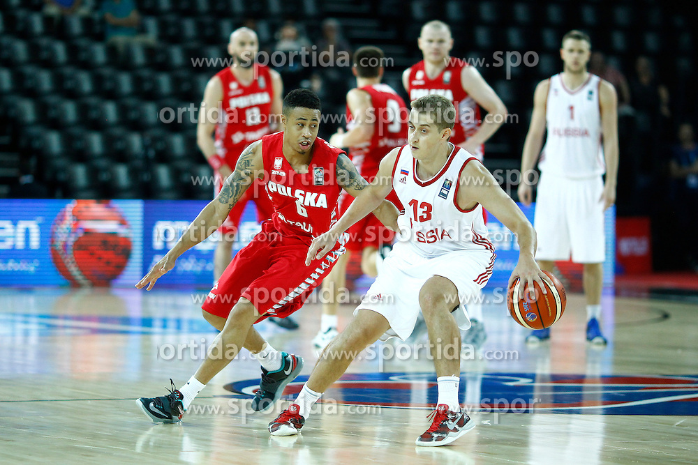 06.09.2015, Park Suites Arena, Montpellier, FRA, Russland vs Polen, Gruppe A, im Bild aj slaughter, dmitry khvostov // during the FIBA Eurobasket 2015, group A match between Russia and Poland at the Park Suites Arena in Montpellier, France on 2015/09/06. EXPA Pictures &copy; 2015, PhotoCredit: EXPA/ Newspix/ Artur Podlewski<br /> <br /> *****ATTENTION - for AUT, SLO, CRO, SRB, BIH, MAZ, TUR, SUI, SWE only*****