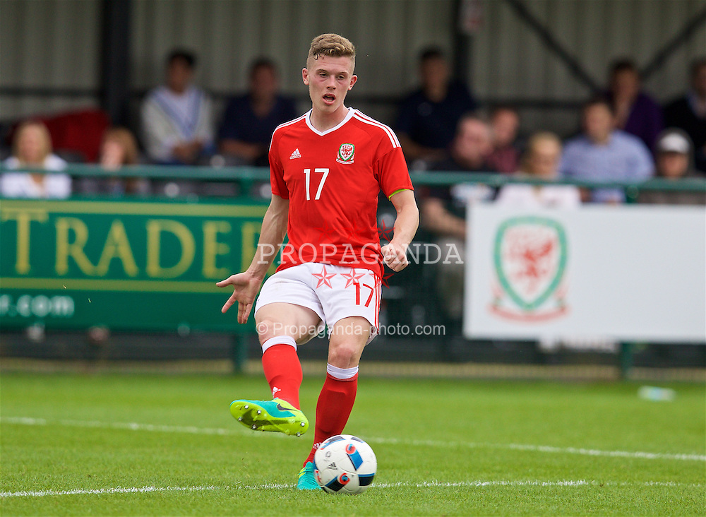 NEWPORT, WALES - Tuesday, September 6, 2016: Wales' Jack Challis in action against Iceland during the International Friendly match at Dragon Park. (Pic by David Rawcliffe/Propaganda)