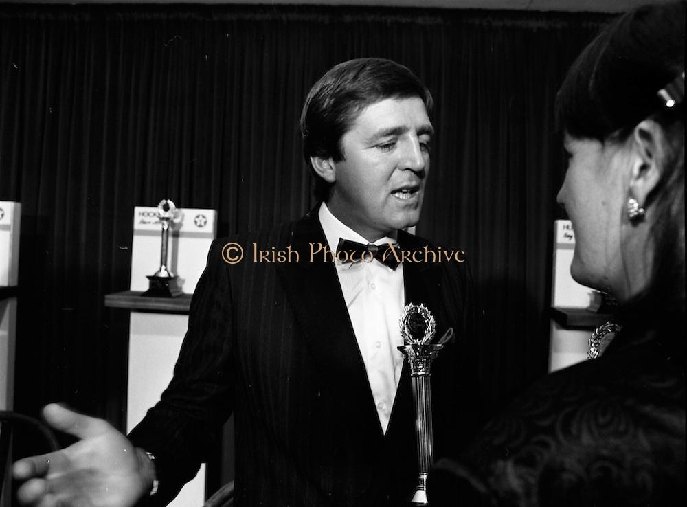 18/01/1989<br /> 01/18/1989<br /> 18 January 1989<br /> Texaco Sportstars of the Year Awards 1988 at the Burlington Hotel, Dublin. Picture shows Des Smyth, of Meath, winner of the Golf Texaco Sportstar Award.