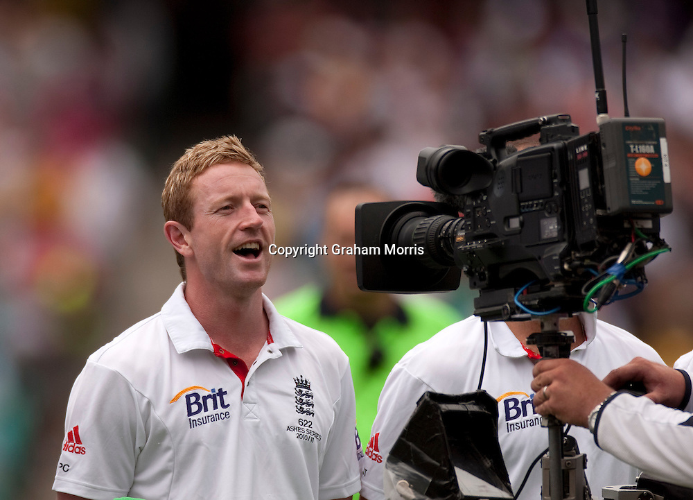 Paul Collingwood is not auditioning for X Factor but singing God Save the Queen before the fifth and final Ashes test match between Australia and England at the SCG in Sydney, Australia. Photo: Graham Morris (Tel: +44(0)20 8969 4192 Email: sales@cricketpix.com) 03/01/11