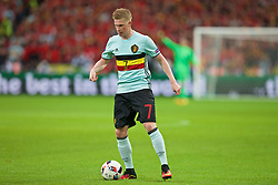 LILLE, FRANCE - Friday, July 1, 2016: Belgium Kevin De Bruyne in action against Wales during the UEFA Euro 2016 Championship Quarter-Final match at the Stade Pierre Mauroy. (Pic by Paul Greenwood/Propaganda)