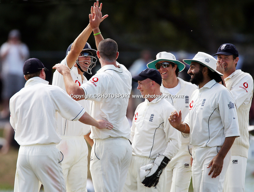 Kevin Pietersen celebrates his caught and bowled wicket of Ross Taylor during the National Bank Test Match Series, New Zealand v England, 2nd day of 1st Test at Seddon Park, Hamilton, New Zealand. Thursday 6 March 2008. Photo: Stephen Barker/PHOTOSPORT