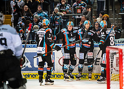 21.02.2020, Keine Sorgen Eisarena, Linz, AUT, EBEL, EHC Liwest Black Wings Linz vs Dornbirn Bulldogs, Zwischenrunde, 7. Qualifikationsrunde, im Bild v.l. Brian Lebler (EHC Liwest Black Wings Linz), Matt Finn (EHC Liwest Black Wings Linz), Rick Schofield (EHC Liwest Black Wings Linz), Dragan Umicevic (EHC Liwest Black Wings Linz), feiern das Tor zum 3 zu 2 // during the Erste Bank Eishockey League Intermediate round, 7th qualifying round match between EHC Liwest Black Wings Linz and Dornbirn Bulldogs at the Keine Sorgen Eisarena in Linz, Austria on 2020/02/21. EXPA Pictures © 2020, PhotoCredit: EXPA/ Reinhard Eisenbauer