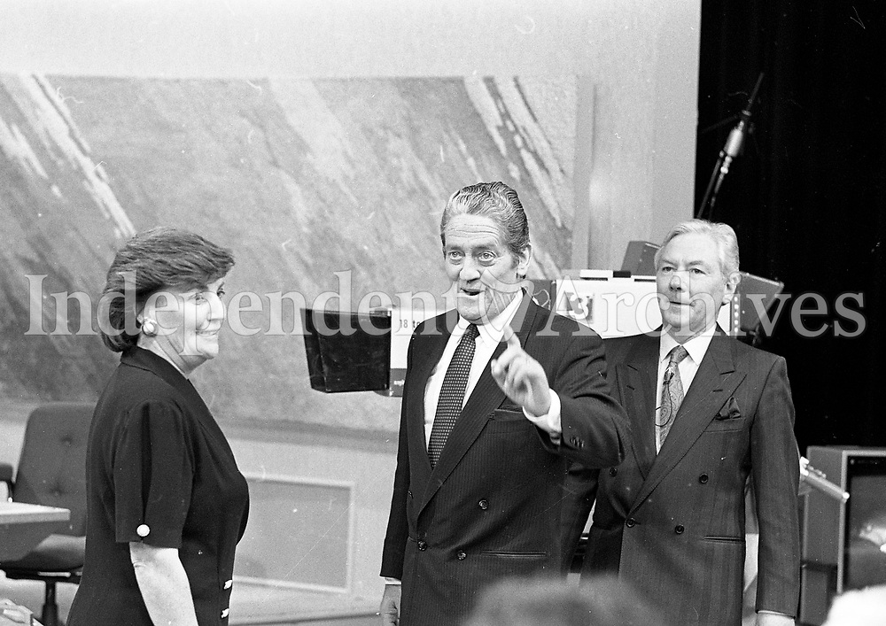 Gay Byrne, Brian Lennihan and his wife Ann lennihan on the late late show, 30/03/1990 (Part of the Independent Newspapers Ireland/NLI Collection).