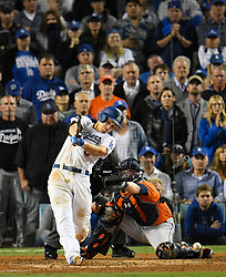 November 1, 2017 - California, United States - Los Angeles Dodgers shortstop Corey Seager #5 breaks his bat in the 6th inning, and grounded out to shortstop. Los Angeles Dodgers played the Houston Astros in game 7 of the World Series at Dodger Stadium in Los Angeles, CA 11/1/2017  (Credit Image: © John Mccopy/Los Angeles Daily News via ZUMA Wire)