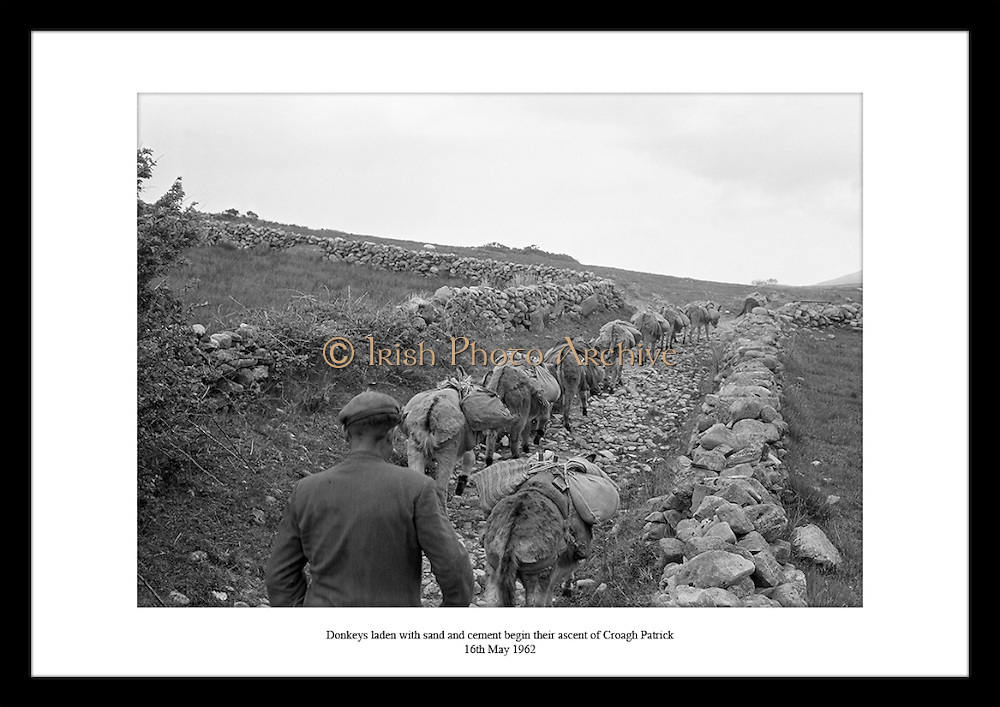 This great shot by Lensmen Photographic Agency is the perfect scenery to show Irish farming. Old vintage photos are perfect to give as gifts for anniversaries.