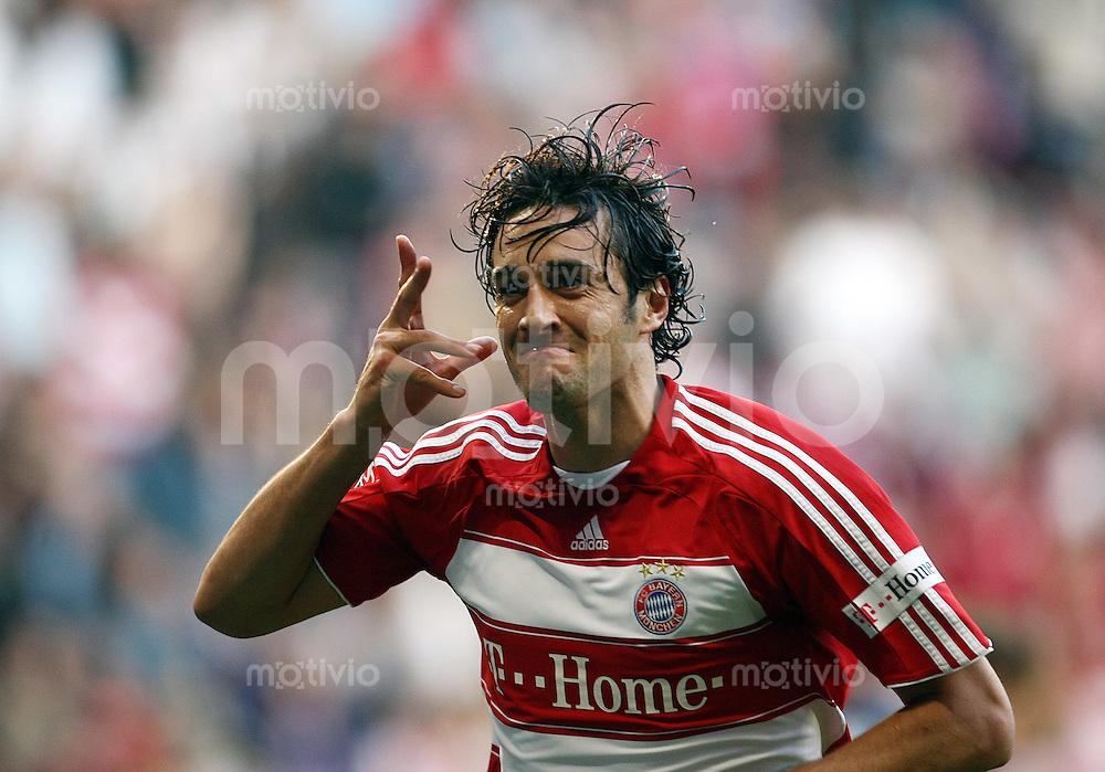 FUSSBALL     1. BUNDESLIGA     SAISON 2007/2008   9. SPIELTAG FC Bayern Muenchen - 1.FC Nuernberg            07.10.2007 Luca TONI (Muenchen) jubelt nach seinem Tor zum 1:0.