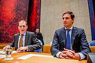 DEN HAAG - Staatssecretaris Menno Snel van Financien (D66) en Minister Wopke Hoekstra van Financien (CDA) tijdens de Algemene Financiele Beschouwingen in de Tweede Kamer. Tweede Kamer: Algemene Financiële Beschouwingen ROBIN UTRECHT