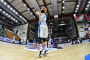 DESCRIZIONE : Beko Legabasket Serie A 2015- 2016 Dinamo Banco di Sardegna Sassari - Enel Brindisi<br /> GIOCATORE : Joe Alexander<br /> CATEGORIA : Tiro Riscaldamento Before Pregame<br /> SQUADRA : Dinamo Banco di Sardegna Sassari<br /> EVENTO : Beko Legabasket Serie A 2015-2016<br /> GARA : Dinamo Banco di Sardegna Sassari - Enel Brindisi<br /> DATA : 18/10/2015<br /> SPORT : Pallacanestro <br /> AUTORE : Agenzia Ciamillo-Castoria/L.Canu
