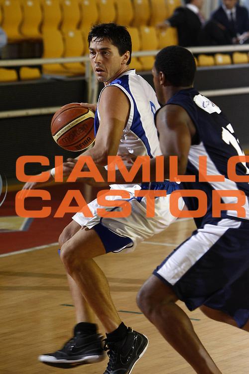 DESCRIZIONE : Roma Lega A 2009-10 Basket Amichevole Lottomatica Virtus Roma Martos Napoli<br /> GIOCATORE : Davide Bonora<br /> SQUADRA : Martos Napoli<br /> EVENTO : Campionato Lega A 2009-2010 <br /> GARA : Lottomatica Virtus Roma Martos Napoli<br /> DATA : 30/09/2009<br /> CATEGORIA : palleggio<br /> SPORT : Pallacanestro <br /> AUTORE : Agenzia Ciamillo-Castoria/E.Castoria