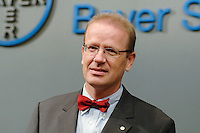 14 SEP 2006, BERLIN/GERMANY:<br /> Dr. Gunnar Riemann, Vorstandsmitglied, Bayer Schering Pharma AG, waehrend einem Fototermin, Bayer Schering Pharma AG<br /> IMAGE: 20060914-02-025