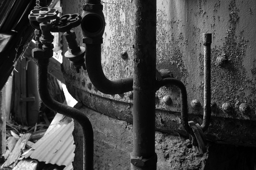 Antarctica, South Georgia Island (UK), Decaying machinery inside abandoned whaling station in Husvik along Stromness Bay