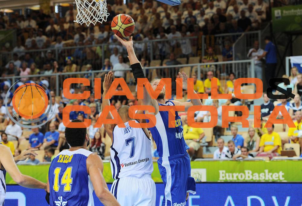 DESCRIZIONE : Capodistria Koper Slovenia Eurobasket Men 2013 Preliminary Round Finlandia Svezia Finland Sweden <br /> GIOCATORE : Jonathan Skjoldebrand<br /> CATEGORIA : tiro<br /> SQUADRA : Svezia<br /> EVENTO : Eurobasket Men 2013<br /> GARA : Finlandia Svezia Finland Sweden <br /> DATA : 05/09/2013 <br /> SPORT : Pallacanestro&nbsp;<br /> AUTORE : Agenzia Ciamillo-Castoria/N. Dalla Mura<br /> Galleria : Eurobasket Men 2013 <br /> Fotonotizia : Capodistria Koper Slovenia Eurobasket Men 2013 Preliminary Round Finlandia Svezia Finland Sweden