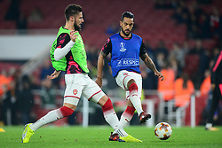 Theo Walcott of Arsenal and Olivier Giroud of Arsenal warm up. - Mandatory by-line: Alex James/JMP - 02/11/2017 - FOOTBALL - Emirates Stadium - London, England - Arsenal v Red Star Belgrade - UEFA Europa League Group H