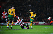 Southampton - Tuesday, September 30th, 2008: Omar Koroma of Norwich City misses with the second of two great chances early in the second half during the Coca Cola Championship match at Southampton. (Pic by Daniel Hambury/Focus Images)