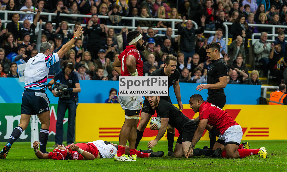 Nehe Milner-Skudder scores during the Rugby World Cup match between New Zealand and Tonga (c) ROSS EAGLESHAM | Sportpix.co.uk