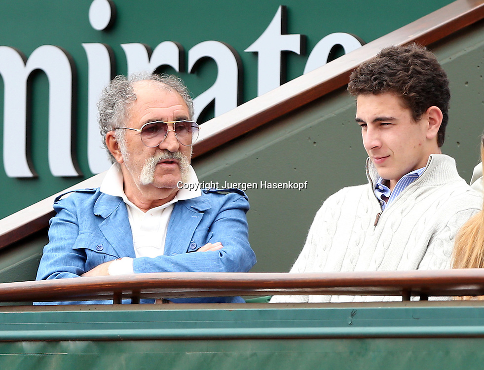 French Open 2014, Roland Garros,Paris,ITF Grand Slam Tennis Tournament,<br /> Tennis Impresario Ion Tiriac (ROU) sitzt in seiner Loge am Centre Court, Einzelbild,Halbkoerper, Querformat,Portrait,