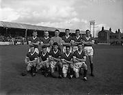 28/03/1959 <br /> 03/28/1959<br /> 28 March 1959 <br /> Soccer: F.A.I. Cup Semi-final St Patrick's Athletic v Cork Hibernians at Tolka Park, Dublin. The Cork Hibernians team.
