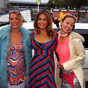 Uitreiking Simms Awards Amsterdam, Jennifer de Jong, Sylvie Meis en Tatum Dagelet
