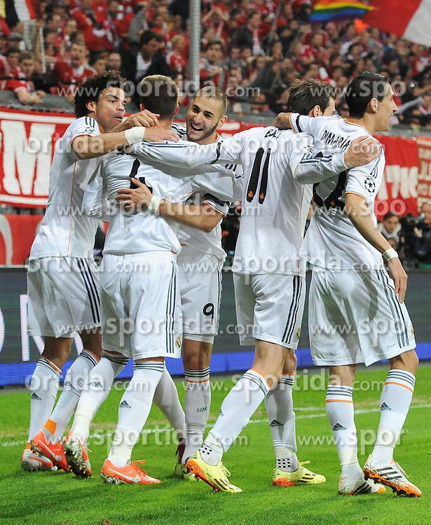 29.04.2014, Allianz Arena, Muenchen, GER, UEFA CL, FC Bayern Muenchen vs Real Madrid, Halbfinale, Ruckspiel, im Bild Jubel bei Real Madrid nach dem 0:1 durch Sergios Ramos (Real Madrid), 2.vl. // during the UEFA Champions League Round of 4, 2nd Leg Match between FC Bayern Munich vs Real Madrid at the Allianz Arena in Muenchen, Germany on 2014/04/29. EXPA Pictures &copy; 2014, PhotoCredit: EXPA/ Eibner-Pressefoto/ Stuetzle<br /> <br /> *****ATTENTION - OUT of GER*****