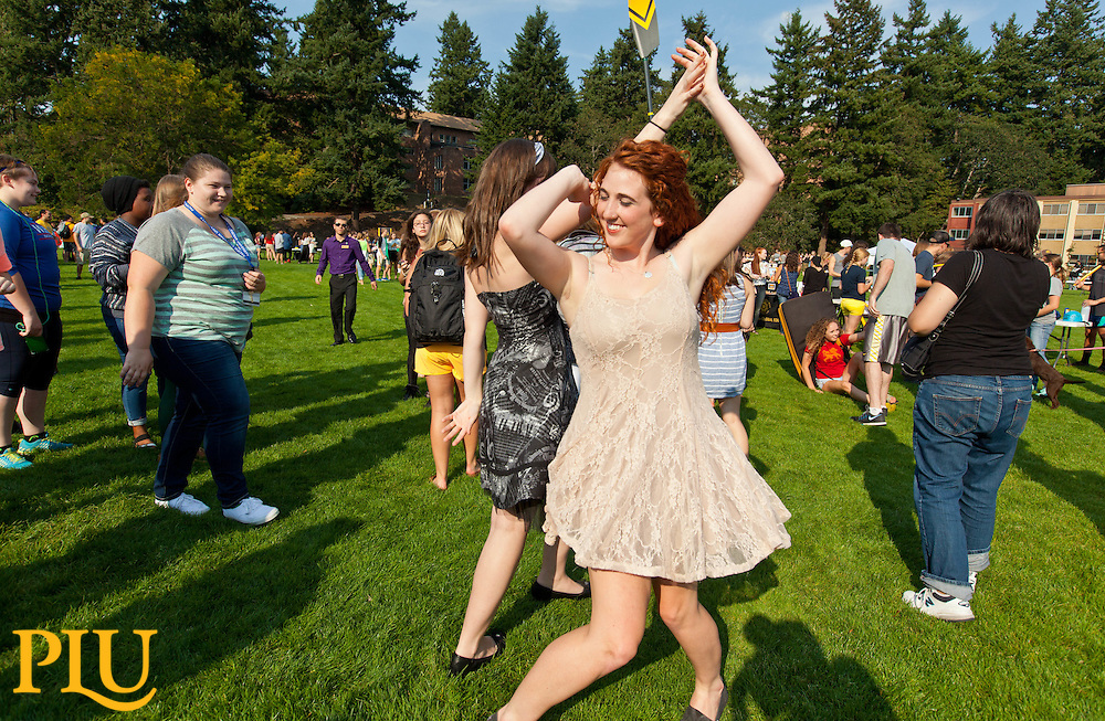 Involvement Fair on Foss Field at PLU on Friday, Sept. 11, 2015. (Photo: John Froschauer/PLU)