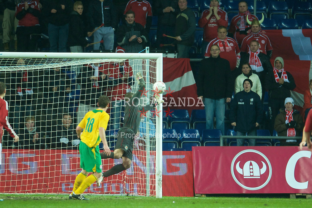 COPENHAGEN, DENMARK - Wednesday, November 19, 2008: Wales' goalkeeper Boaz Myhill is beaten in injury time, but the goal post save him against Denmark during the international friendly match at the Brøndby Stadium. (Photo by David Rawcliffe/Propaganda)