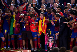 ROME, ITALY - Tuesday, May 26, 2009: Barcelona's players prepare to lift the Euopean Cup after beating Manchester United 2-0 during the UEFA Champions League Final at the Stadio Olimpico. (Pic by Carlo Baroncini/Propaganda)