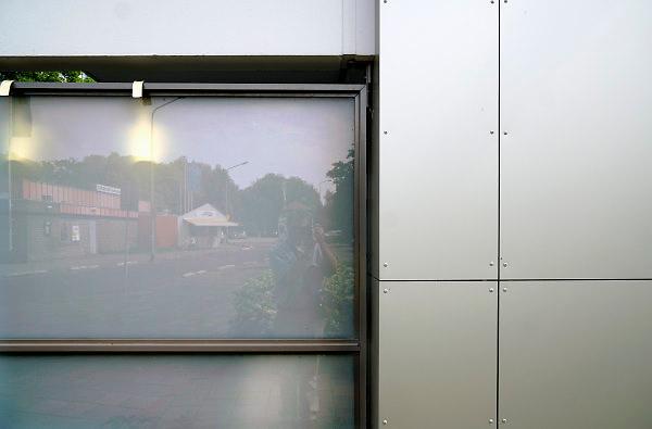 Nederland, Nijmegen, 23-5-2018Gevelplaten van het woon en zorgcentrum de Meiboom in Meijhorst in de wijk Dukenburg zouden volgens een onderzoek van Zembla brandgevaarlijk zijn en niet de brandwerende eigenschappen hebben die opgegeven zijn. Het complex van Woongenoot krijgt onderhoud en is van nieuwe gevelbeplating voorzien .Foto: Flip Franssen