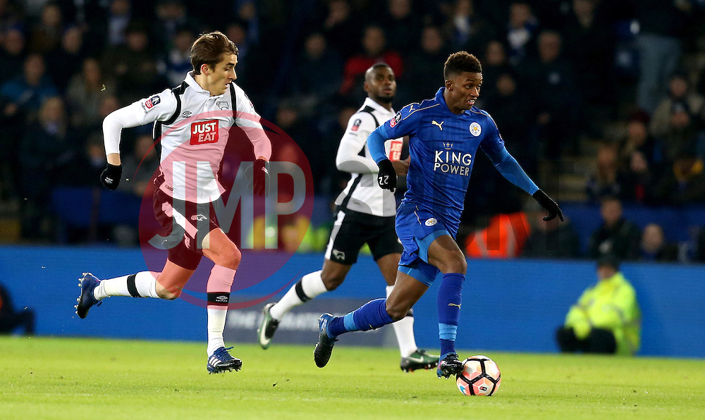 Demarai Gray of Leicester City runs with the ball - Mandatory by-line: Robbie Stephenson/JMP - 08/02/2017 - FOOTBALL - King Power Stadium - Leicester, England - Leicester City v Derby County - Emirates FA Cup fourth round replay