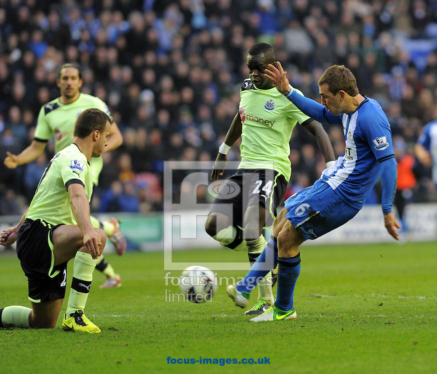 Picture by Alan Wright/Focus Images Ltd 07733 196489.17/03/2013.James McArthur of Wigan Athletic in action against Newcastle United during the Barclays Premier League match at the DW Stadium, Wigan..