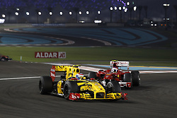 Motorsports / Formula 1: World Championship 2010, GP of Abu Dhabi, 12 Vitaly Petrov (RUS, Renault F1 Team), 08 Fernando Alonso (ESP, Scuderia Ferrari Marlboro),