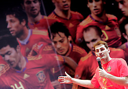 12.07.2010, Madrid, Spanien, ESP, FIFA WM 2010, Empfang des Weltmeisters in Madrid, im Bild Iker Casillas, EXPA Pictures © 2010, PhotoCredit: EXPA/ Alterphotos/ Acero / SPORTIDA PHOTO AGENCY