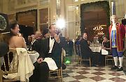 Neil Bush. Crillon Haute Couture Ball. Crillon Hotel, Paris. 2 December 2000. © Copyright Photograph by Dafydd Jones 66 Stockwell Park Rd. London SW9 0DA Tel 020 7733 0108 www.dafjones.com