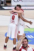 Goudelock Andrew, Bertans Dairis<br /> Dolomiti Energia Trento - EA7 Emporio Armani Playoff Finale gara 6<br /> Legabasket serieA 2017-2018<br /> Trento  15/06/2018<br /> Foto Ciamillo-Castoria /Thomas Barea